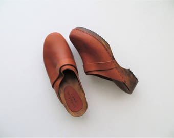 90s Town Shoes Clogs, Made in Italy, Terracotta Brown Genuine Leather with Real Wood Sole, Women's US Size 7