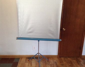 Vintage Portable Movie Screen - Makes great Room Divider or Backdrop - Slide Projector Screen - Brilliant