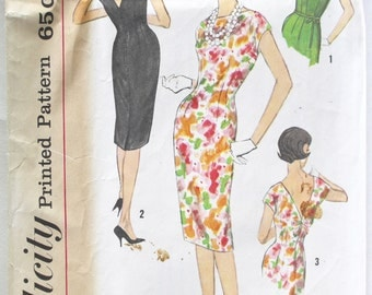 Vintage Sewing Pattern 1950s/1960s Women's Wiggle Sheath Dress with Back Bow Detail Size 14 Simplicity 3820 Bust 34