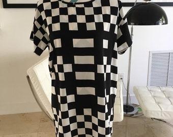 Vintage 60s Op Art Black and White Geometric Printed Sack Shift Dress Medium Large
