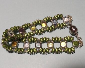Stylish 'Lizzy Honeycomb Bracelet'