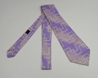 VIntage 1970s Lilac w/White Line Design Rayon/Acetate Necktie
