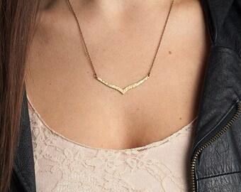 Hammered Chevron Necklace / Brass Chevron Arrow Necklace / Textured Simple Brass Necklace / Bohemian Fringe