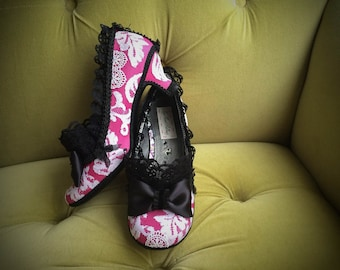 Kawaii Shoes Black Lace Ruffle & Bow Costume High Heels Party Fantasy Pumps Raspberry Pink White Lace Marie Antoinette Size 6 7.5 8.5 9.5 10