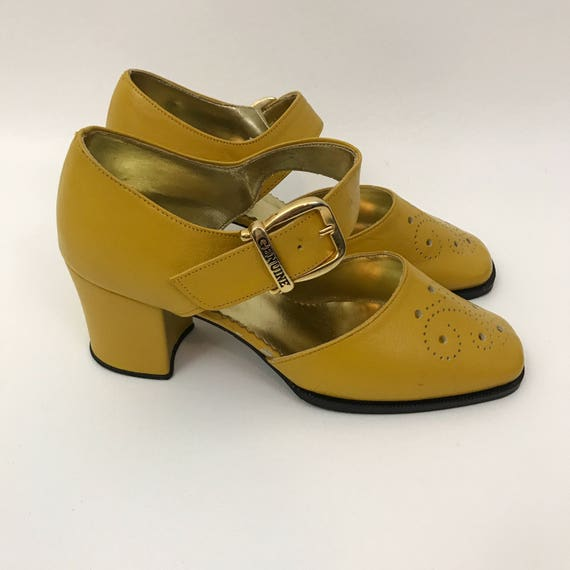 60's 70s Mustard Yellow Kitten Heels US Size 7 - Vintage Bright Yellow Dressy Women's Heels -  Colorful Bright Yellow Mary Jane Retro Vtg