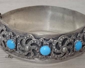 Vintage turquoise hinged bangle