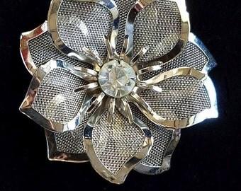 Vintage Flower Brooch in Silver Mesh with Rhinestone