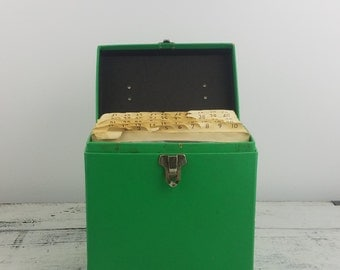 Includes Records! Platterpack Green Singles Case, includes records, retro, collectible