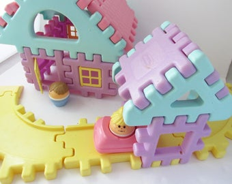 Pastel Little Tikes Wee Waffle Build A House Building Blocks Set 1990s - Two People and a Car