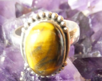 Tigers Eye and Sterling Silver Ring..... size 8 only
