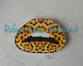 Leopard Print Lips Mouth Brooch Pin with Bronze Back. Animal Print Mouth, Teeth, Fashion, Costume, Cute, Different, Trendy