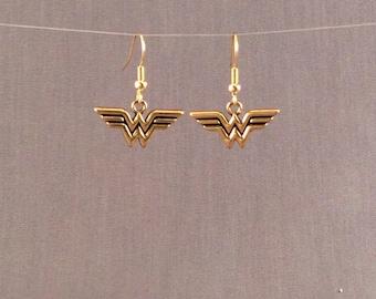 Wonder Woman Earrings, Wonder Woman Jewelry, FREE SHIPPING, Geek Superhero Earrings, Justice League, Geek Gift, Wonder Woman Symbol Earrings