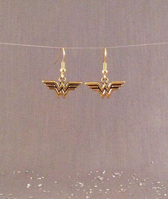 wonder woman earrings wonder woman jewelry free shipping. Black Bedroom Furniture Sets. Home Design Ideas