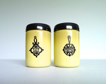 Vintage West Bend Harvest Gold Salt and Pepper Shakers