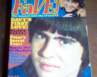 Fave Magazine 1968 The Monkees Davy Jones Bee Gees Leonard Nimoy Raiders Vintage Classic Rock & Roll Music Collectible