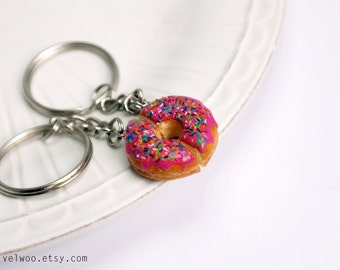 Donut keychain, Best Friends gift, BFF, Sweet keychain, Friendship keychain, Best friend accessories, Best friend keychain, velwoo