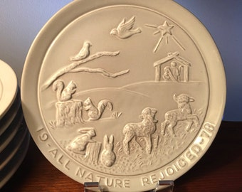 """1978 Frankoma """"All Nature Rejoiced"""" collector's Christmas plate by Jonience Frank"""
