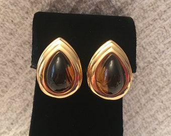 Trifari Gold Tone and Amber Stud Earrings, Faux Amber and Gold Pierced Stud Earrings, Trifari Amber n Gold Studs, Trifari Gold n Amber,1980s