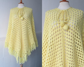 Yellow 70s Crocheted Vintage Poncho With Fringes