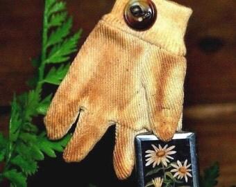 Primitive Aged Garden Glove Ornament w/ Button & Framed Floral Print