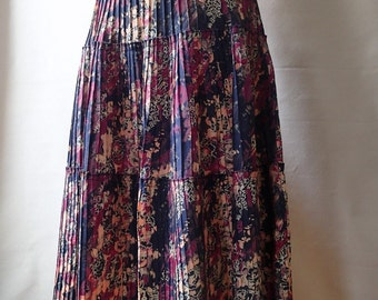 Vintage tiered skirt; abstract floral skirt; tiered boho hippie skirt; vintage prairie skirt; midi skirt; retro skirt; 70s floral skirt