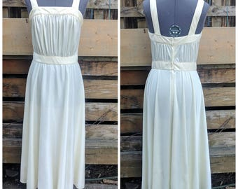 Vintage 1970's Cream White / Off White 100% Polyester Summer Dress Disco Dress