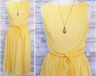 Yellow and white checkered sleeveless dress with full skirt - Medium/Large