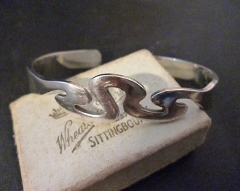 "A unique sterling silver vintage bangle - 925 - small - Chunky piece - 2.6"" x 2"" - 24.2 grams"