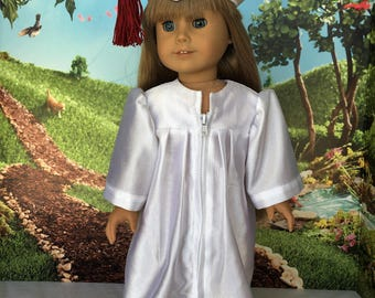 Graduation Gown for doll - 18 inch graduation gown - 18 inch doll clothes - fits the American Girl, Our Generation and other 18 inch dolls.