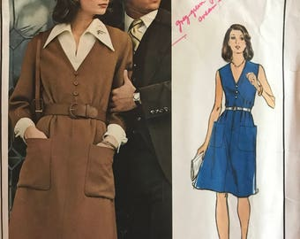 """Vogue 1050 - 1970s Nina Ricci V Neck Dress and Blouse with Wide Pointed Collar - Size 14 Bust 36"""""""