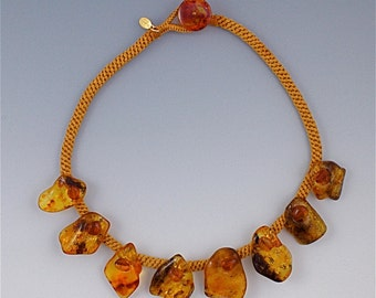 """Fabulous natural amber """"fan-collar"""" statement necklace"""