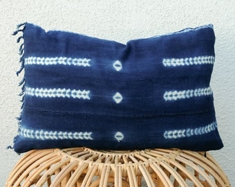 RESERVED: Indigo Fringe Mudcloth Pillow Cover with Insert Option / 14x20 / Shibori, Tie Dye, Kidney, Lumbar