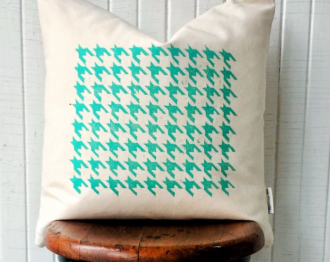 Set of two organic canvas pillow covers - Houndstooth in teal green
