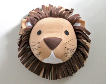 LION- felt wall decor