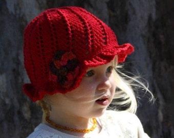 Crochet cloche hat with flower