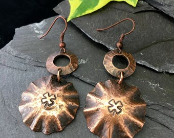 Textured / stamped /hammered earrings / copper dome dangle earrings / copper jewellery /hand crafted copper earrings / rustic / gift box /
