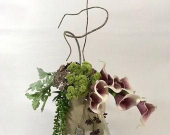 Unique & Stylish Flower Arrangement