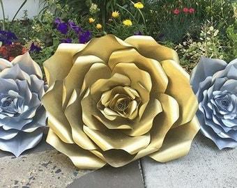 Set of 3 Metallic Paper Roses