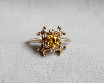 Pretty Citrine 10k Yellow Gold Ring, size 6