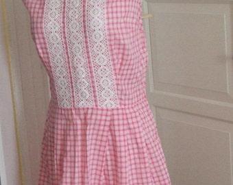 ON SALE 50s Pink & White Gingham Dress,  Lace Trim, Sleeveless, Cotton, Picnic Dress,  Size M