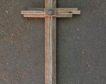 Rustic Wood Cross, Reclaimed Wood Cross, Barnwood Cross Heart, Primitive, Recycled Wood Cross, Barn Wood, Nursery Cross, Reclaimed Aspen