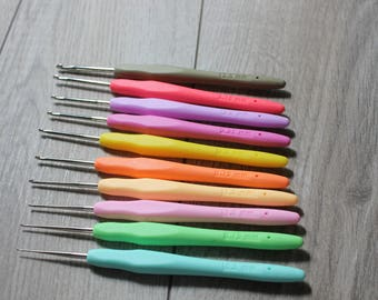 Threading Crochet Soft Handled Hooks - TRP Handled Tiny Crochet Hook Set - 10 Hooks