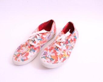 Flowers n Lace 90s Sneakers