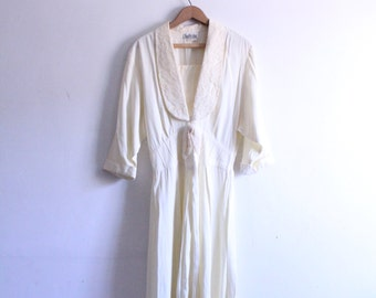 Creamy Lace Flapper Maxi Dress