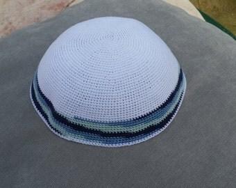 White Kippah. Handmade Crochet Kippah. Hand knitting Yarmulke. White Yarn of Cotton with Blue stripes design. Everyday use or Shabbat