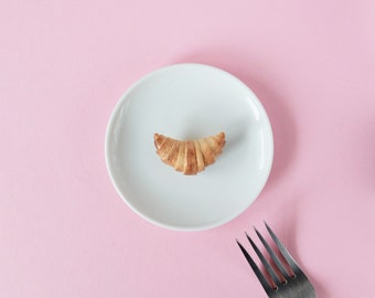 Croissant Brooch, cool pin, food pins, polymer clay brooch, french food, modern brooch, collar pin, funny brooch, sweater pin, kawaii food