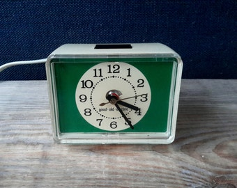Retro alarm clock, alarm clock good old electric, plastic fantastic, electric alarm clock alarm clock