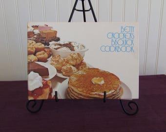 Betty Crocker's Bisquick Cookbook, Vintage Cookbook, 1978
