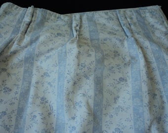French vintage blue and white floral lined door / window curtain (04263)