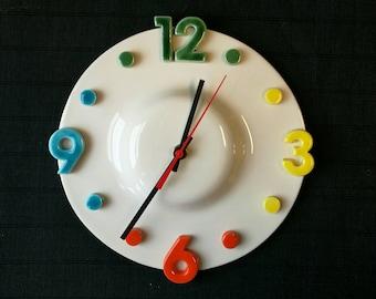 Wall clock in ceramic
